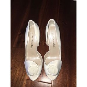 Caparros Ivory Peep Toe Wedding Shoes Rosette NWT